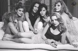 Louise Bourgoin With Nora Arnezeder, Zoe F�lix, Myl�ne Jampanoi and Christa Th�ret Foto 55 (���� ������� � ���� Arnezeder, ��� F�lix, Myl�ne Jampanoi � ������ Th�ret ���� 55)