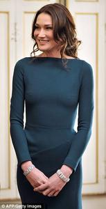 Carla Bruni braless at a state dinner