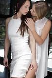 Angelica & Heidik6nmr374n1.jpg