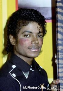 1983 Thriller Certified Platinum Th_947873734_med_gallery_8_119_495235_122_365lo