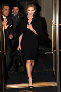 Faith Hill - leaving her hotel in Manhatten 01/12/11 HQ x 4